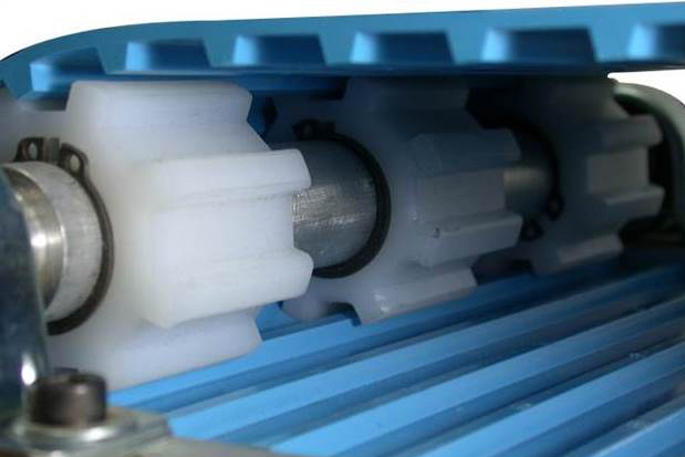 Транспортерные ленты применяются для перемещения различных грузов: штучных, кусковых, сыпучих. Это могут быть как абразивные, так и неабразивные материалы.